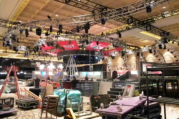 Место проведения финальных столов в зале Amazon Room