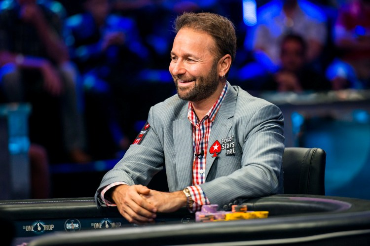 Один из участников Super High Roller Celebrity Shootout Даниэль Негреану (Daniel Negreanu)