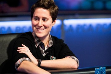 Ванесса Селбст организовывает благотворительный турнир
