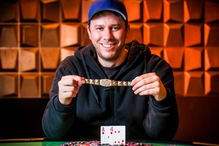 Новости WSOP Europe 2015: Кевин МакФи побеждает в Main Event