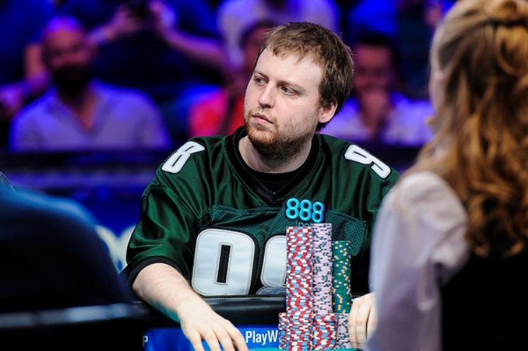 Новости WSOP 2015: Позади первый день финального стола Main Event