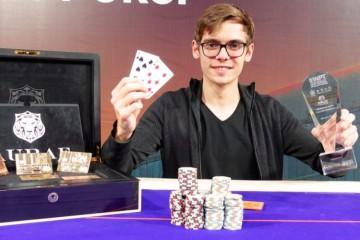 Новости покера: Федор Хольц стал лучшим в рекордном турнире WPT