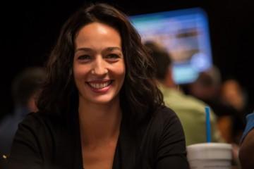Новости покера: 888Poker заключил спонсорское соглашение с Карой Скотт